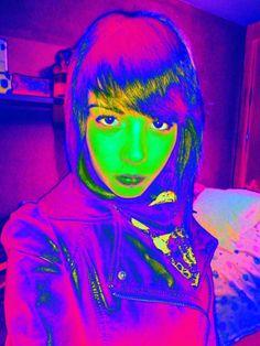 Esta tarea trata de retocar 5 foto retrato tuya o de un familiar, y jugar con los colores y filtros del programa GIMP. Una vez aprendido a utilizar los tipos de ajustes que tiene, que la tarea te permite ver en una presentación, solo tienes que retocar la misma foto, dos veces, con distintos tipos de ajustes y filtros.  Esta es la 1ª práctica con RGB – Colores – Mapa - Mapa Alienígena.