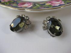 Vintage Topaz Rhinestone Silvertone Clip Earrings by jenscloset, $9.50