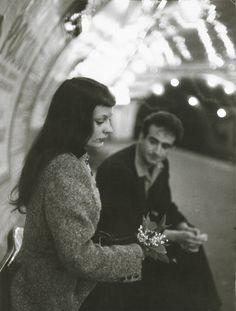 Le Muguet du Metro (Marc and Christiane Chevalier in the Paris Metro), 1953 - Robert Doisneau