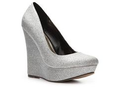 Bling wedges?! I NEEEEEED. For anyday or a wedding dont care.