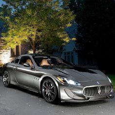 Superbe Maserati coupé chromé