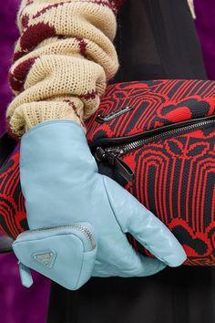 Show Photos, Creative Photos, Bearpaw Boots, Fashion Show, Fashion Trends, Bag Making, Prada, Fall Winter, Women Wear