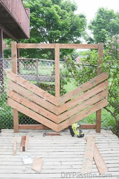 how to build a simple chevron outdoor privacy wall - Outdoor Privacy Screens
