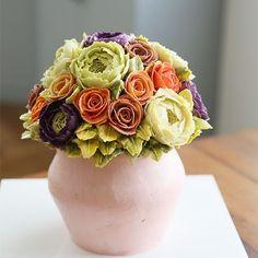 Student's work... Vase style buttercream flower cake.  #cherryblossom #buttercream #butter #buttercreamflowers #flowers #flower #cake #cakes #kiss #kissthecake #kissthecook #koreanstyle #koreanbuttercream #vasecake #케이크 #케익 #플라워케이크 #플라워 #플라워케익 #버터크림 #키스더케익 #키스 #키스더케이크 #버터크림플라워케이크 #화병 #여름