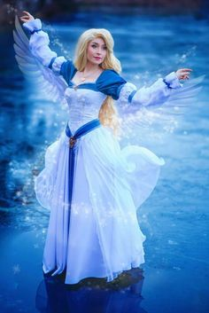 Odette from Swan Princess Movie Cosplayer: Nikita Cosplay Photographer: Omaru