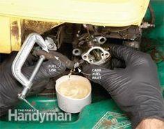 How to Repair Small Engines: Cleaning the Carburetor Reparatur kleiner Motoren: Vergaser reinigen Lawn Mower Maintenance, Lawn Mower Repair, Car Fix, Lawn Equipment, Garden Equipment, Engine Repair, Car Hacks, Small Engine, Home Repair
