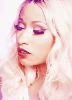 """""""It's those little tiny things that really make up the bigger picture. So, my happiness doesn't come from money or fame. My happiness comes from seeing life without struggle."""" - Nicki Minaj. Nicki at her best:beaut"""