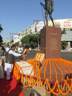 Today Mayor Shri Gautam Shah paid floral tribute to father of nation Mahatma Gandhi Ji on his birth anniversary in the presence of Dy Mayor Smt. Parmodaben, AMC Standing Committee Chairman Shri Pravin Patel, Dandakshree Lalsinh Thakor and other dignitaries near Income Tax circle. #Ahmedabad  #AMC