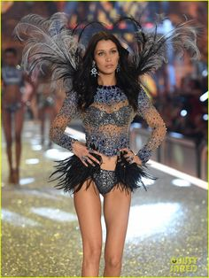 VIDEO: Watch Bella Hadid & The Weeknd Cross Paths on Victoria's Secret Runway!: Photo Getting to watch Bella Hadid and The Weeknd cross paths on the runway during the 2016 Victoria's Secret Fashion Show was definitely something that many viewers… Victoria Secrets, Victoria Secret Wings, Victorias Secret Models, Victoria Secret Fashion Show, Bella Hadid Style, Vs Fashion Shows, Vs Models, Celebs, Celebrities
