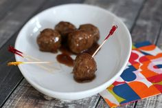 Easy Appetizer Meatballs in Red Wine Sauce