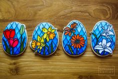 Stained glass easter flowers by aproned artist sugar cookie frosting, royal Galletas Cookies, Iced Cookies, Cute Cookies, Easter Cookies, Holiday Cookies, Sugar Cookies, Stained Glass Cookies, Sugar Cookie Royal Icing, Paint Cookies