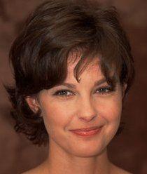 Ashley Judd - short hair