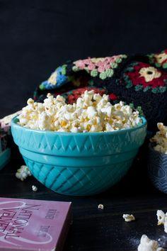Chicago Style Popcorn - I Say Nomato