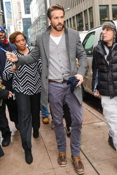 Another week, another off-duty style success for Ryan Reynolds, who left Sirius XM in his new favourite Dockers chinos, paired with a NY blizzard-beating marl cardigan and tailored overcoat.