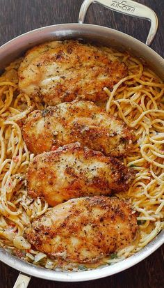 Italian Chicken Pasta in Creamy White Wine Parmesan Cheese S.- Italian Chicken Pasta in Creamy White Wine Parmesan Cheese Sauce - Italian Chicken Pasta Dishes, Creamy Chicken Pasta, Cheesy Chicken, Chicken Spaghetti, Chicken Pasta Recipes, Recipe Chicken, Chicken With Italian Seasoning, Chicken Scampi, Seafood Recipes