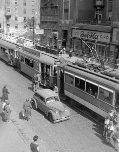 Ilyen is volt Budapest - Mártírok útja (Margit körút) History Photos, Vintage Images, Budapest, Marvel, Vehicles, Archive, Vintage Pictures, Historical Pictures, Rolling Stock