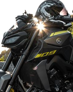 Yamaha Fz 09, New Android Phones, Ride Out, Cycle Ride, Bike Photography, Motorcycle Travel, Bike Life, Helmets, Motorbikes