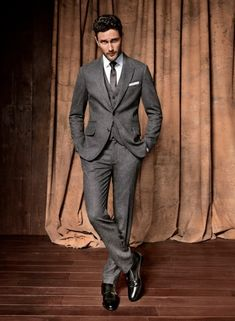 Three piece suit & a skinny tie Men Fashion Show, Mens Fashion Suits, Mens Suits, Suit Men, Grey Suits, Men's Fashion, Three Piece Suit, 3 Piece Suits, Sharp Dressed Man