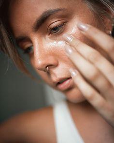 Müde Augen adé 👁 Die einzigartigen Eigenschaften von Q10 und die schützende Wirkung von Augentrost tragen dazu bei, dass sich müde und sogar geschwollene Lider schnell wieder erholen. Vergiss die dunkle Sonnenbrille. 😎🚫 . SHOP NOW auf hejorganic.com . #hejorganic #sayhej #moreheartincosmetic #natrue #takecare #takecareofyou #organic #skincare #bio #naturalbeauty #wellbeing #naturalcosmetics #naturalcare #biokosmetik #nature #fairtrade #naturalingredients #allnatural #vegan #naturalskincare Q10, Fairtrade, Vegan, Rings, Jewelry, Tired Eyes, Eyeglasses, Jewlery, Jewerly