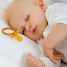 De la difficulté à la transition du chaos à calmer au moment du coucher? Si c'est le cas, vous n'êtes pas seul. Heureusement, les parents et les experts qui ont découvert le secret de la santé mentale coucher et le succès d'accord sur une formule simple: Le démarrage et le début de la routine , la routine, la routine! Nous avons demandé à une mère celeb, un spécialiste du sommeil pédiatrique, et un éducateur parents sur la meilleure façon de faire