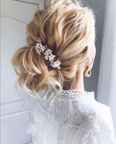 Beautiful bridal updo using Celinadoredesigns' headpiece Bridal Updo, Wedding Updo, Best Hairdresser, Instagram Hairstyles, Types Of Braids, Hair Creations, Fantasy Hair, Bridal Hair Accessories, Updos