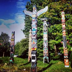 Totems in stanley park #vancouver #canada