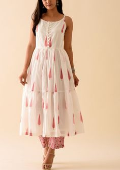 Pink Leaf BlockPrint Strappy Kurta with Roseate Palazzo Pant Simple Kurta Designs, Kurta Designs Women, Blouse Designs, Latest Kurti Designs, Printed Kurti Designs, Dress Indian Style, Indian Dresses, Cotton Dress Indian, Indian Outfits