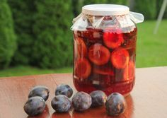 Szilvabefőtt Hungarian Recipes, Pickles, Plum, Bacon, Cooking Recipes, Canning, Fruit, Vegetables, Hungary