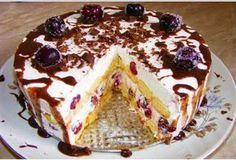 Chocolate Cream Pie- Rich and Creamy chocolate pie. Super easy and quick! Romanian Desserts, Romanian Food, Sweet Recipes, Cake Recipes, Dessert Recipes, My Recipes, Great Desserts, No Bake Desserts, Tolle Desserts