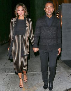 6 Lessons to Learn from Chrissy Teigen's Sexy Maternity Style - Go for prints - from InStyle.com