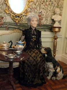 Porcelain miniature dolls and dollshouse dolls specialist. Georgina Ritson creates scale porcelain dolls for collectors Doll House People, Dolls House Shop, Miniature Houses, Miniature Dolls, Pretty Dolls, Beautiful Dolls, Dollhouse Dolls, Dollhouse Miniatures, Ooak Dolls