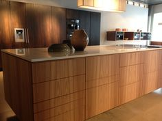 Hamran kjøkken Ask fronter Living Room Kitchen, Corner Desk, Room Ideas, Furniture, Home Decor, Homemade Home Decor, Kitchen Diner Lounge, Corner Table, Home Furnishings