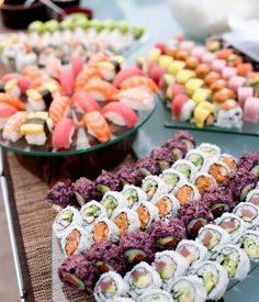 Wrapping up our 5 days of #yummyfood...drum roll please! SUSHI!!! 🍱🍣🍲😍 #hungry #rehearsal #itsaparty #sushi #food #weddings #events #oaksandaspensevents #planner #plansmart #planwithus #sanantonio #texas #bride #groom #welovelove 💁❤️💍