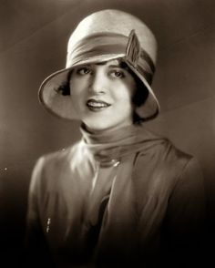 "DOROTHY KATHLEEN GULLIVER  (1908-1997) was an American silent & talkie film star. Named as a 1928 ""WAMPAS Baby Star"", she was part of ""The Collegians"" silent series of the late 1920s. With the beginning of ""talkies"", she became a popular heroine in 1930s ""cliffhangers"", incl The Galloping Ghost, Phantom of the West, The Shadow of the Eagle, The Last Frontier, and the 1936 Custer's Last Stand. Her costars were often Rex Lease, Tim McCoy, Jack Hoxie & Bill Elliott."