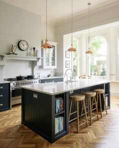 Home Decor Apartment Copper pendant lights hang above a beautiful big island in the Crystal Palace Kitchen by deVOL.Home Decor Apartment Copper pendant lights hang above a beautiful big island in the Crystal Palace Kitchen by deVOL Devol Shaker Kitchen, Devol Kitchens, Home Kitchens, Luxury Kitchens, Dream Kitchens, Kitchen Units, Open Plan Kitchen, New Kitchen, Kitchen Modern