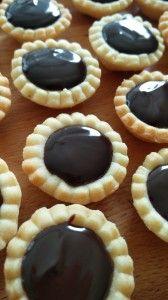 Linecké košíčky plněné čokoládovou ganache Food And Drink, Pie, Bunny Cakes, Baking, Cupcakes, Pinkie Pie, Bread Making, Cupcake, Patisserie