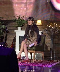 Suzy 1st Fanmeeting 161016 Cu5CD_9UEAALWGz.jpg (690×835)