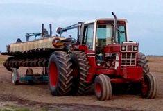 Simplicity is Happiness Big Tractors, Case Tractors, Farmall Tractors, Red Tractor, Vintage Tractors, John Deere Tractors, Vintage Farm, International Tractors, International Harvester