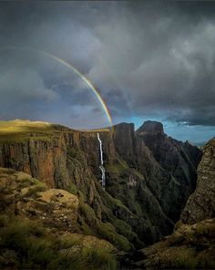 Climb the highest peak in every province Places To Travel, Places To Visit, Africa Destinations, Holiday Destinations, Scenic Photography, Photography Tips, Landscape Photography, Safari, Garden Route