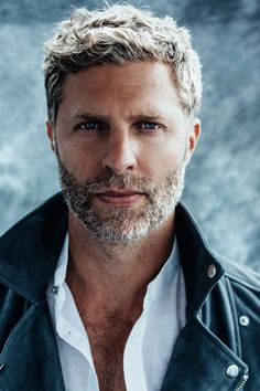 Grey Beards, Long Beards, Salt And Pepper Hair, Bald Man, Men With Grey Hair, Beard Lover, Bear Men, Australian Models, Older Men