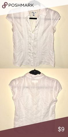 Aeropostale white button-up blouse Made of 99% cotton, 1% other fiber. Make me an offer OR bundle at least 3 items for savings!! :) Aeropostale Tops Blouses