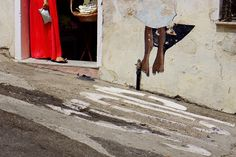 """""""Passaggio a Orgosolo"""", 3° riScatto urbano di Sandro Lecca. Saranno conteggiati i """"mi piace"""" al seguente post: https://www.facebook.com/photo.php?fbid=1637609839829517&set=o.170517139668080&type=3&theater"""
