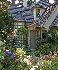 Terrace Garden - The Overgrown English Cottage Garden More This time, we will know how to decorate your balcony and your garden easily with plants #englishcottagegardens #englishgardens #TerraceGarden