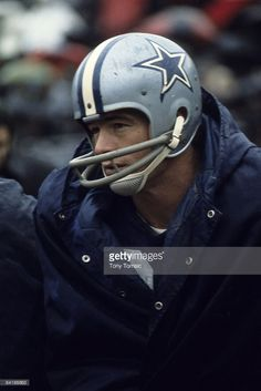 Runningback Dan Reeves #30 of the Dallas Cowboys watches the action from the sidelines during a game in the early-1970's.