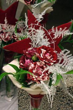 christmas winter flower arrangement ~ Interflora nära Umeå - brudbuketter - bordsdekorationer - inredning - presenter - scendekorationer