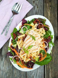 Piparkakkutalon akka - ruokablogi: Ruokaisaa salaattia