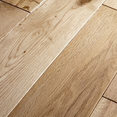 The Awesome Solid Oak Hardwood Flooring Gorgeous Solid Oak Hardwood Flooring Oak Solid Hardwood Wood is one of the pictures that are related to the picture Hardwood Flooring Prices, Maple Hardwood Floors, Engineered Oak Flooring, White Oak Floors, Solid Wood Flooring, Flooring Options, Flooring Ideas, Old Oak Tree, Cool House Designs