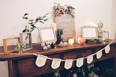 ナチュラルウェディングの可愛いウェルカムスペース実例まとめ   marry[マリー] Barn Wedding Venue, Wedding Guest Book, Wedding Registration Table, Guest Book Table, Space Wedding, Best Day Ever, Buffet, Wedding Decorations, Reception