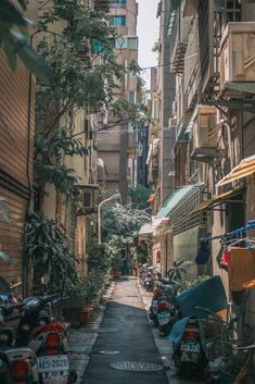 Plannning your first visit to Taipei? Here's everything you need to know before visiting Taipei and tons of Taipei travel tips to plan the perfect trip. Aesthetic Japan, City Aesthetic, Spring Aesthetic, Beige Aesthetic, Travel Aesthetic, Taipei Travel, Road Trip Usa, Anime Scenery, Street Photography