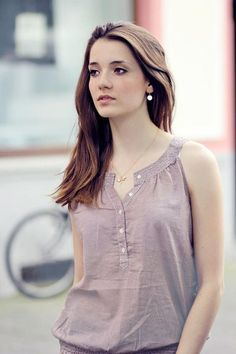 59 Casual Outfits That Always Look Great - Luxe Fashion New Trends Dress Neck Designs, Blouse Designs, Casual Dresses, Casual Outfits, Fashion Dresses, Elegant Outfit, Blouse Styles, Casual Tops, Ideias Fashion